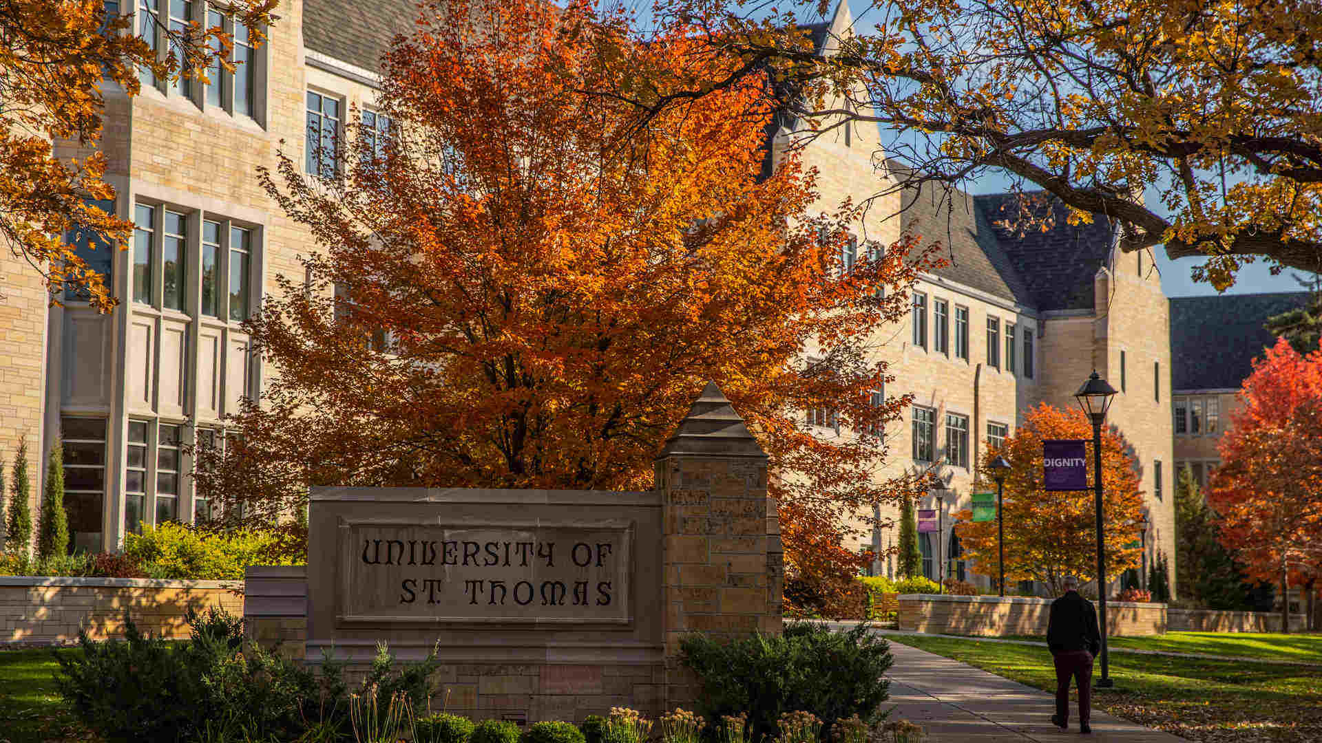 University of St. Thomas sign in front of the Anderson Student Center